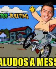 Mira Messi, sin manos...