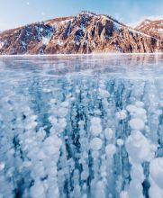 El Baikal es uno de los lagos más profundos; con una profundidad de mil 642 metros