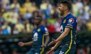Oribe Peralta grita durante el partido contra Santos