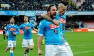 Higuaín celebra su gol 24 con el Nápoles