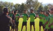 Jugadores del Tri recibiendo instrucciones por parte de Osorio