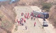 Autobús de Huracán sufre volcadura