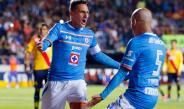 Chaco celebra un gol con Fabio Santos