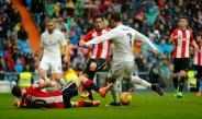 CR7 dispara para anotar un gol del Real Madrid
