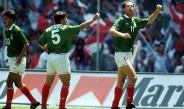 Zague festeja un gol con la Selección Mexicana