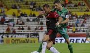 Bergessio y Muñoz en la disputa por el esférico