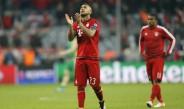 Vidal aplaude al interior del Allianz
