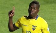 Enner Valencia festeja con la selección de Ecuador