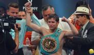 Carlos Cuadras presume su cinturón tras defenderlo contra Mepranum