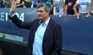Juande Ramos saluda a la afición del Málaga