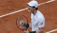 Andy Murray festeja su victoria contra Karlovic