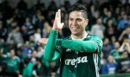 Jonathan Cristaldo festeja un gol con Palmeiras