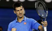 Novak Djokovic festeja un punto conseguido