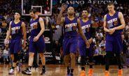 Elementos de los Suns de Phoenix en partido de NBA