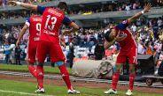 Orbelin Pineda celebra un gol con Chivas