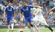 El mediocampista ofensivo belga, Eden Hazard, en un partido del Chelsea frente al Swansea