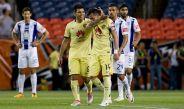 Rubens Sambueza festeja el gol contra Pachuca