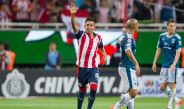 Nestor Calderón celebrando su primero gol con Chivas