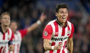 Moreno celebra un gol con el PSV en la temporada pasada
