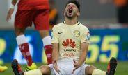 Oribe Peralta se lamenta tras fallar en una jugada