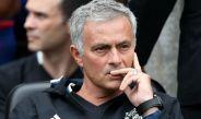 Jose Mourinho observa una práctica del Manchester United