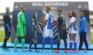 Carlos Vela presume su dorsal 11 con Real Sociedad