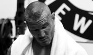 Randy Orton es atendido tras su combate en SummerSlam