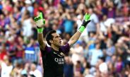 Bravo festejando gol de Luis Suárez