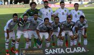 La Selección Mexicana posa para la foto en un partido de CA