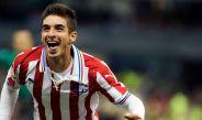 Isaac Brizuela celebra su primer gol en el juego contra América