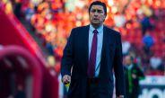 Luis Fernando Tena abandona el terreno tras una derrota en Liga