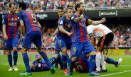 Messi celebra efusivo su tanto en Mestalla