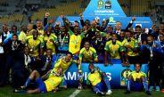 Jugadores del Mamelodi Sundowns festejan el título