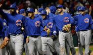 Los jugadores de Chicago festejan tras vencer a Cleveland