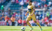 Luis Fuentes en juego de la Liga MX