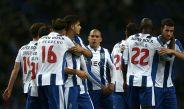 Jugadores de Porto celebran un gol contra Moreirense