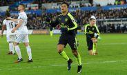 Alexis Sánchez celebra una anotación con Arsenal en Premier