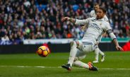 Ramos se barre para marcar el segundo gol del partido