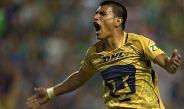 Jesús Gallardo festeja el gol contra León