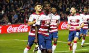 Adrián Ramos celebra doblete contra el Betis