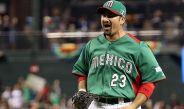 Adrián González celebra en duelo con México