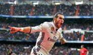 Gareth Bale festeja tras anotar en el partido contra el Espanyol