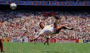 Negrete marca su golazo en la Copa del Mundo de 1986