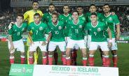 Jugadores del Tri posan para la foto previo al amistoso contra Islandia