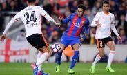Neymar controla el balón durante el Barcelona vs Valencia