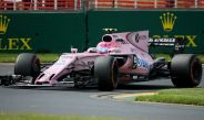 El piloto Esteban Ocon maneja su monoplaza de Force India