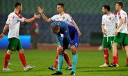 Jugadores búlgaros festejan su triunfo contra Holanda