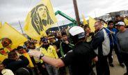 La policía de San José intenta calmar los ánimos entre la porra de América