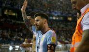 Messi se despide de la afición tras el duelo contra Chile