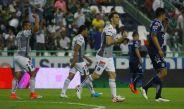 Boselli celebra el único tanto de la Fiera frente a Puebla
